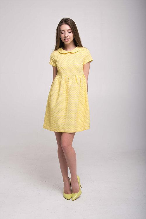 Солнечное платье с воротничком