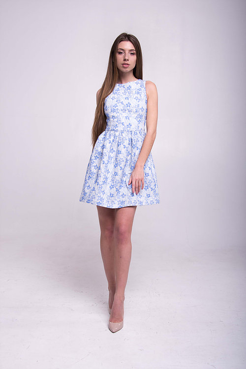 Платье жаккардовое с открытой спинкой