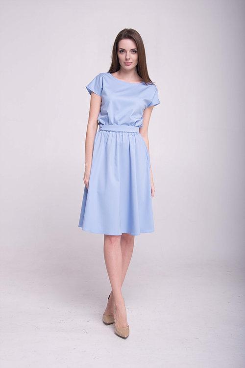 Платье до колен с V-образной спинкой