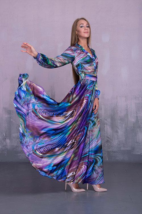 Платье в пол с планкой на пуговицах