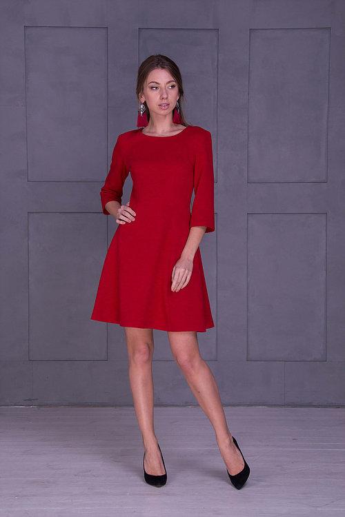 Красное зимнее платье