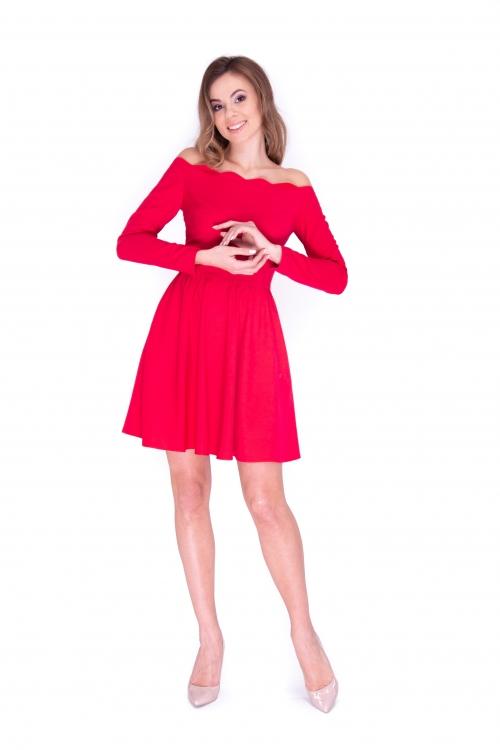 Платье с фистонным верхом