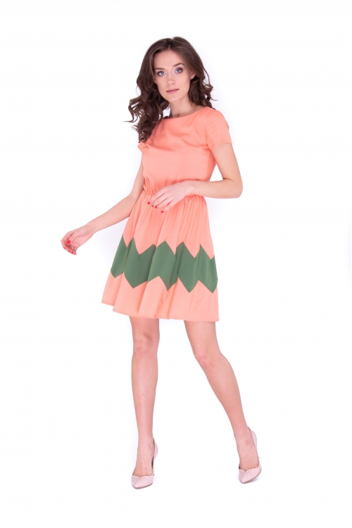 Платье с зигзагом