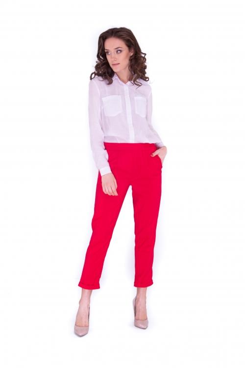 Блуза белая с накладными карманами