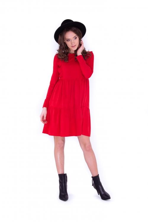 Платье с рюшами красного цвета